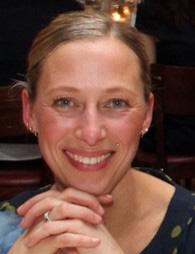 Angela Scholz Ansprechpartnerin im Sekretariat des Vereins »Arbeitsgemeinschaft Anaphylaxie Training & Education« AGATE